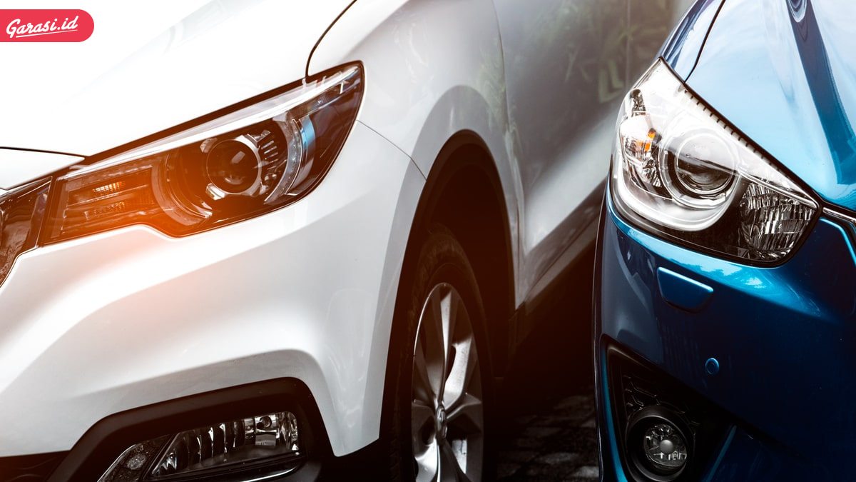 Berbahaya! Ini 5 Penggunaan Bohlam Lampu Mobil yang Salah Kaprah