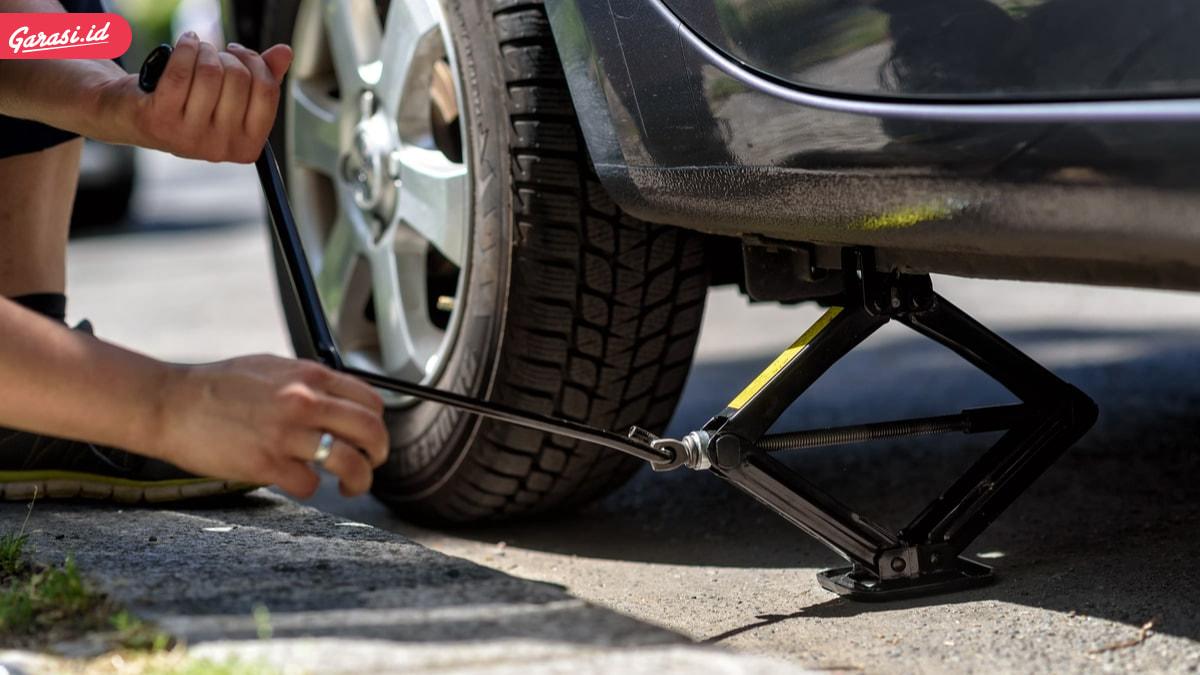 Langkah Mendongkrak Mobil yang Benar dan Jenis-Jenis Dongkrak Mobil
