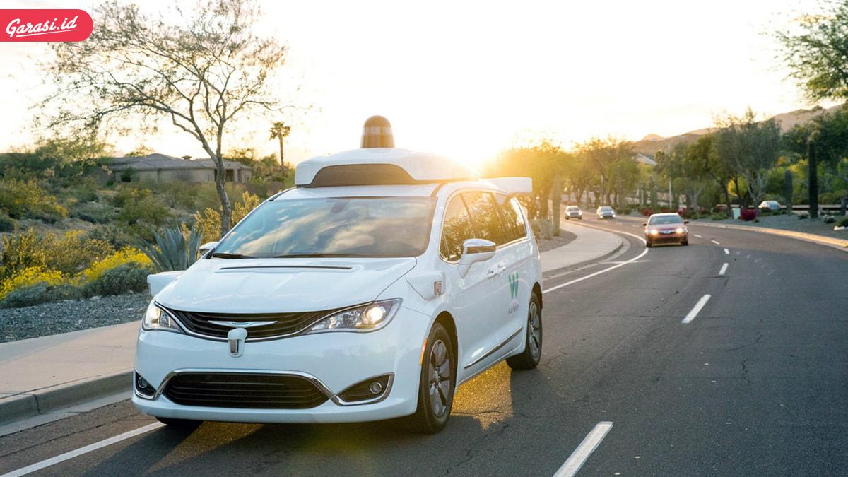 Jangan Samakan Mobil Autopilot dan Autonomous, Ini Bedanya