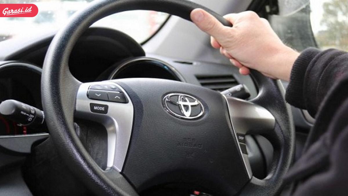 Cegah Blind Spot, Kaca Spion Mobil Punya Peranan Penting