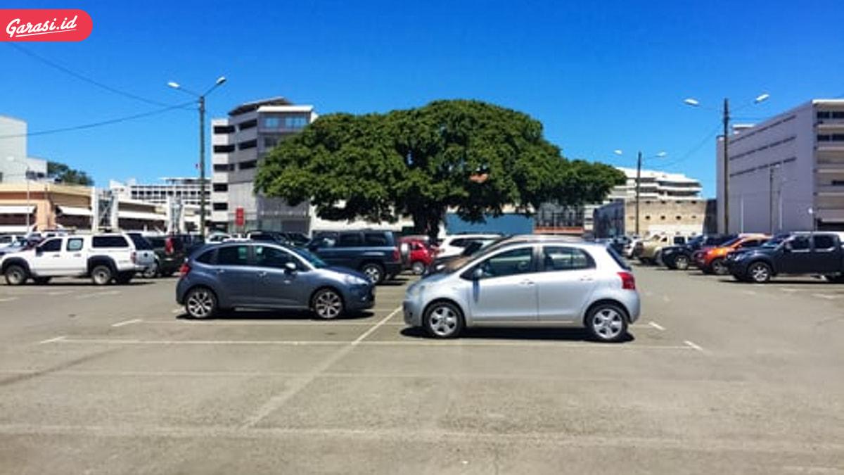 Parkir ditempat teduh