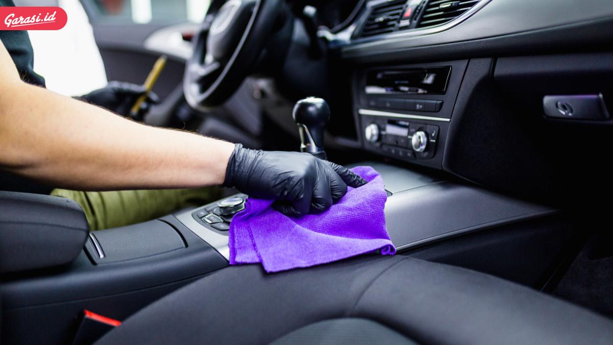 8 Tips Perawatan Interior Mobil Pasca Terendam Banjir
