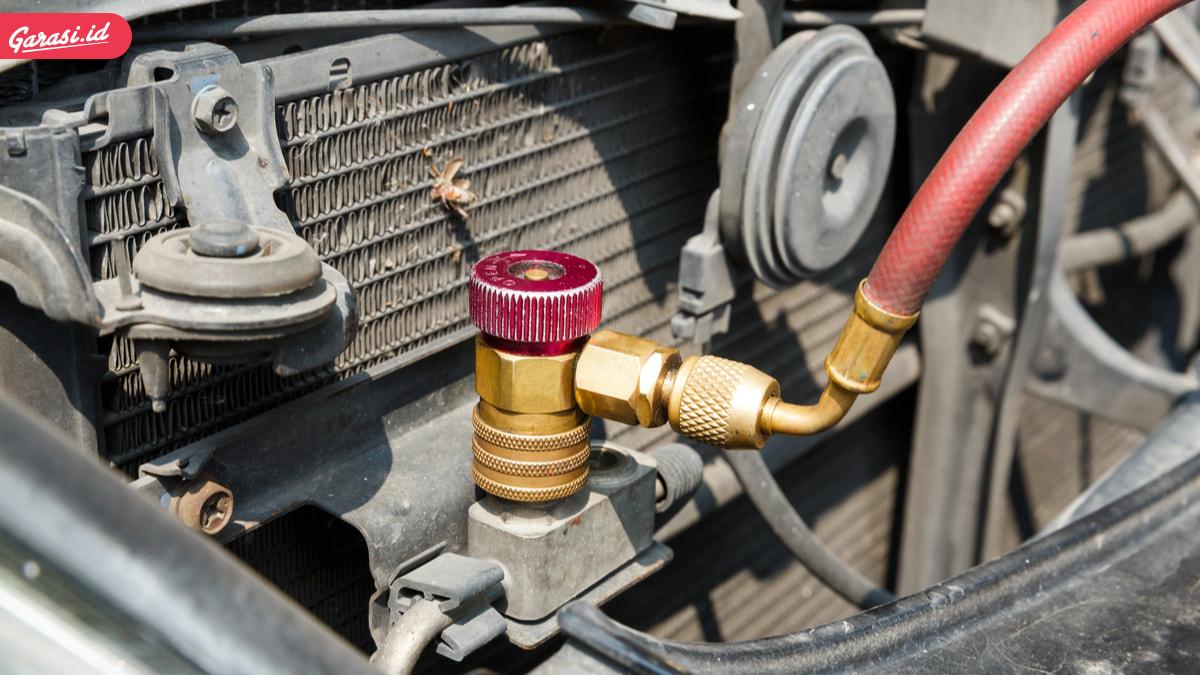 Kenali Penyebab Utama Kondensor AC Mobil Rusak