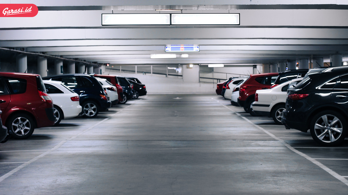 Jangan Asal Parkir Mobil! Begini Tips Cara Parkir Mobil yang Baik dan Benar