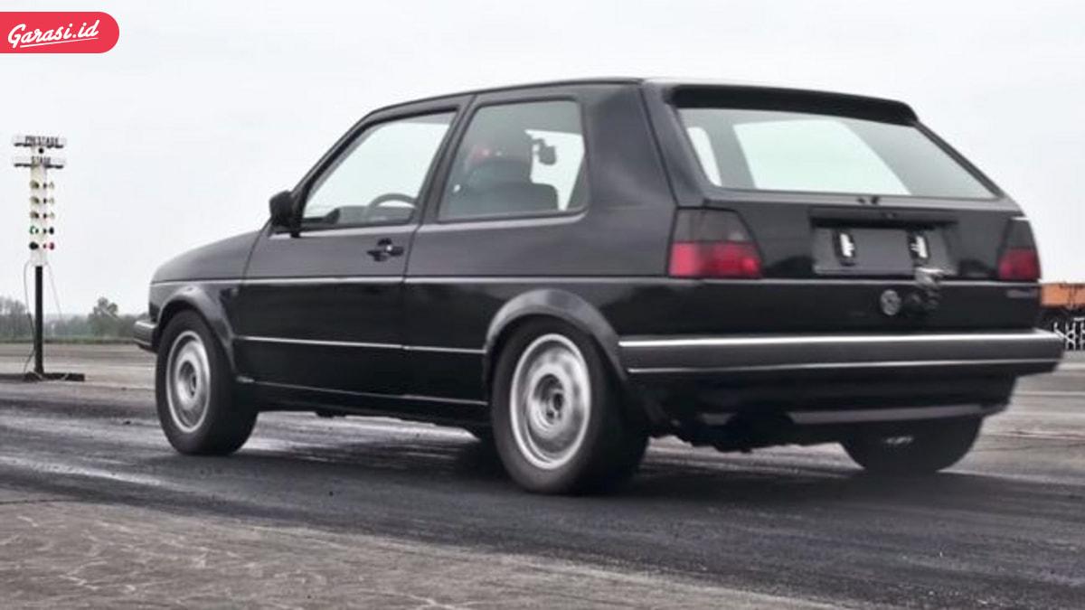 """VW Golf Jadul Bisa Kencang, """"Kalahkan"""" Rekor Hypercar Bugatti Chiron"""