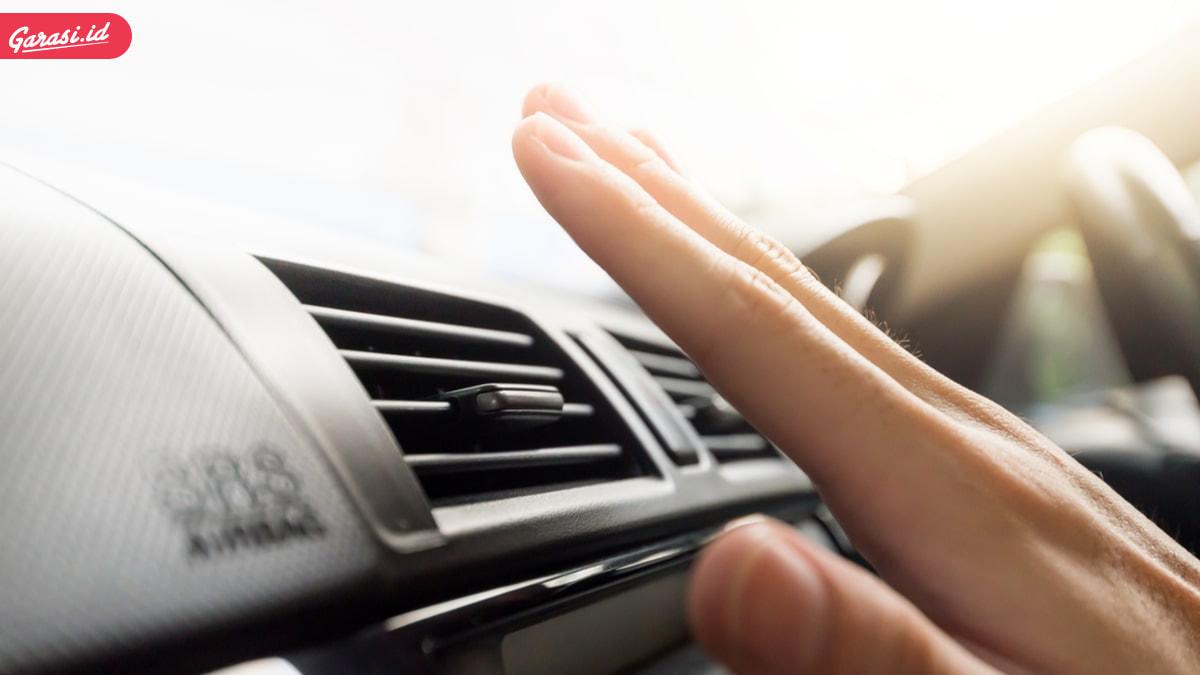 5 Penyebab  Mobil Tidak Dingin dan Mengeluarkan Bau
