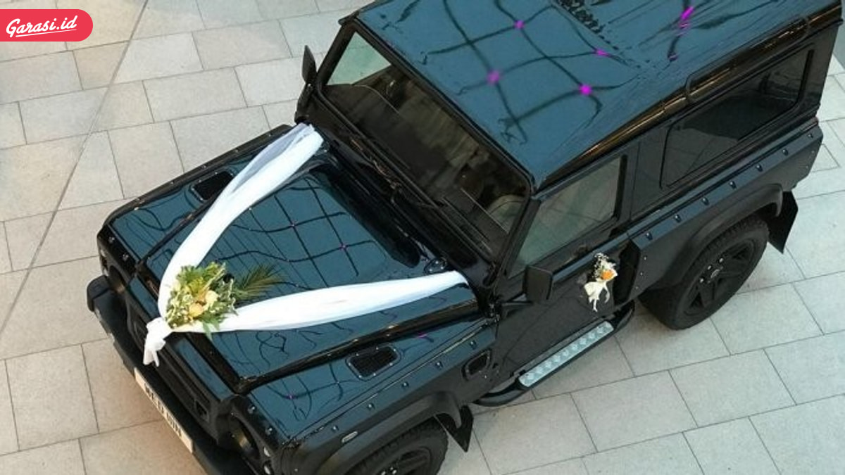 Range Rover Jadi Hadiah Tunangan Pangeran Harry dan Meghan Markle