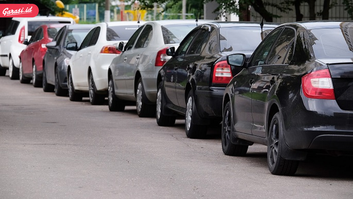 Mau Beli Mobil Sedan Bekas Harga Tak Sampai 100 Juta? Ini Pilihannya