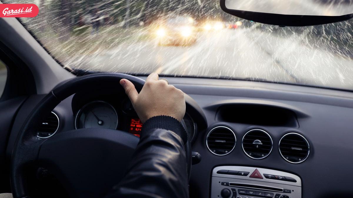 8 Tips Jitu Mengatasi Kantuk Saat Menyetir Dengan Mobil