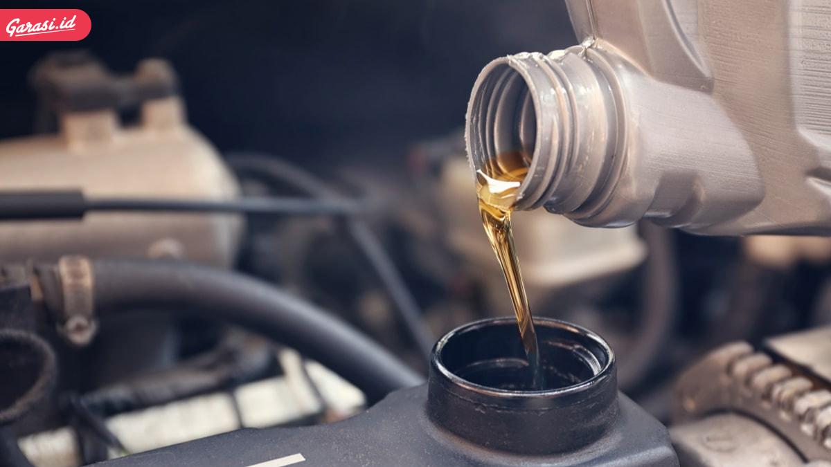 Bukan Sekedar Mengganti Oli. Berikut Sederet Fakta dan Mitos Mengganti Oli Mesin Mobil yang Benar
