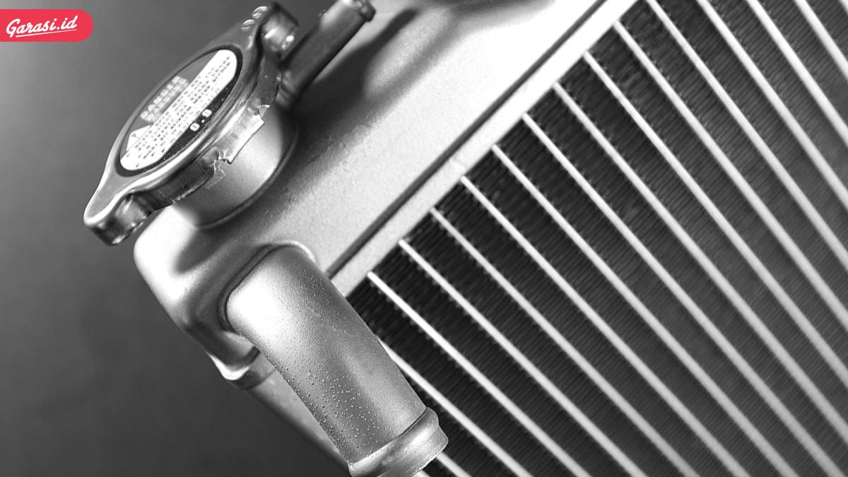 5 Penyebab Air Radiator Mobil Kotor dan Cepat Berkurang