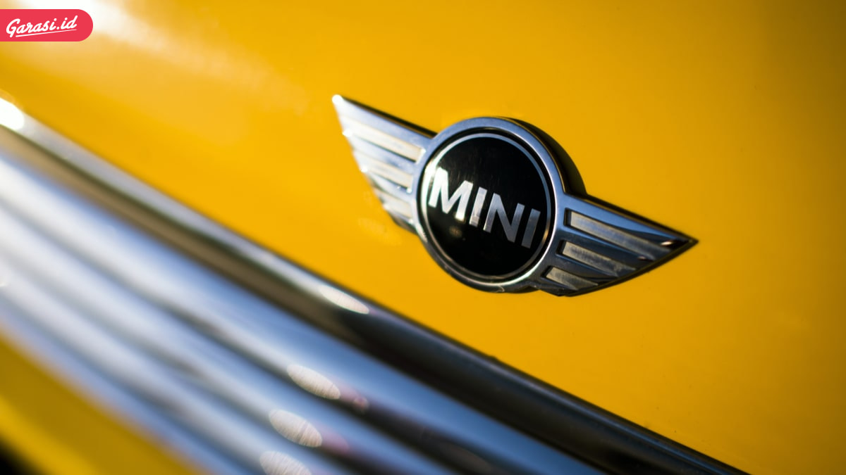 Ingin Meminang Mobil Mini Cooper? Ini Kelebihan dan Kekurangan Mobil Mungil Tersebut