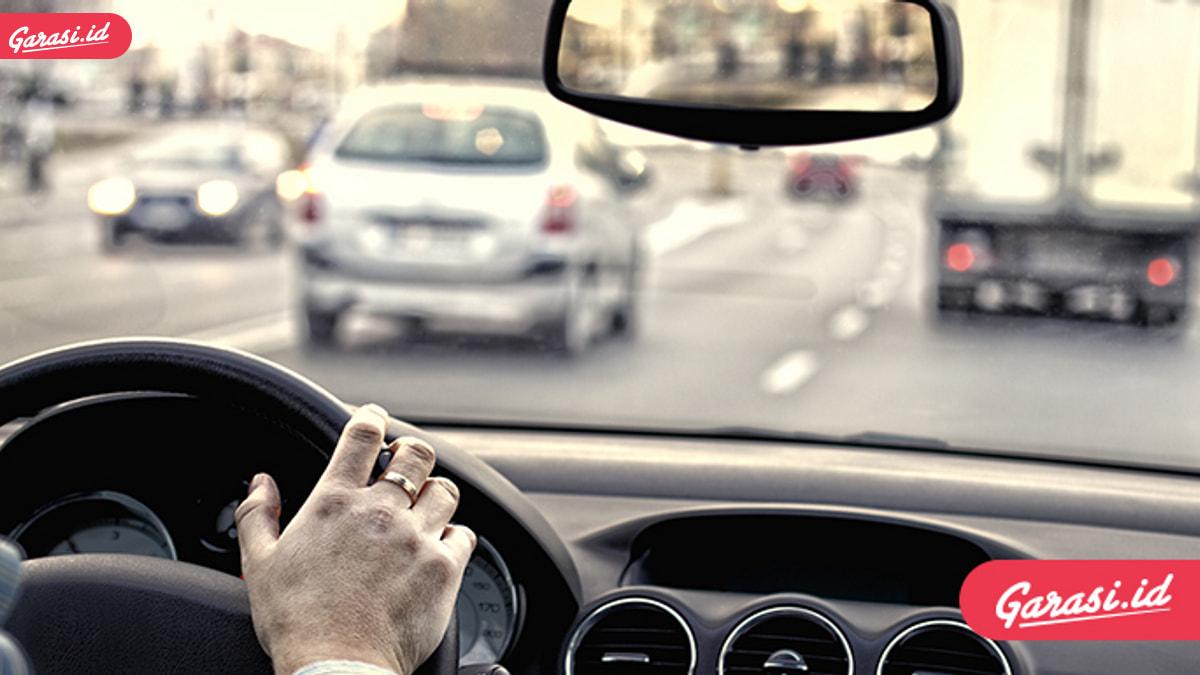 Pahami Prioritas, Ini Waktu Kamu Turunkan Kecepatan Kendaraan