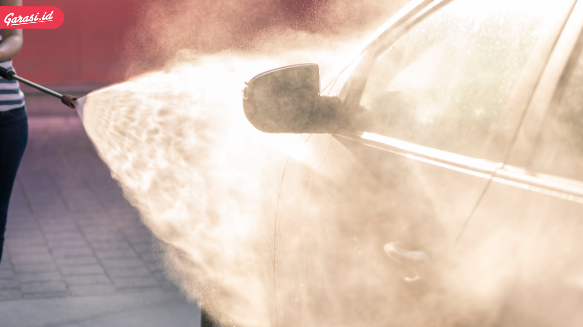 Bahaya ! Perhatikan 4 Komponen Berikut Saat Mencuci Mobil