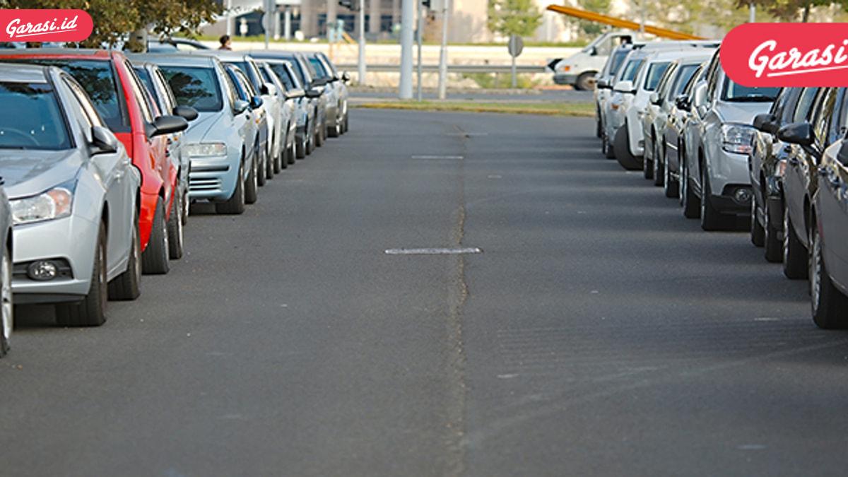 Tips Cara Parkir Mobil yang Baik dan Benar