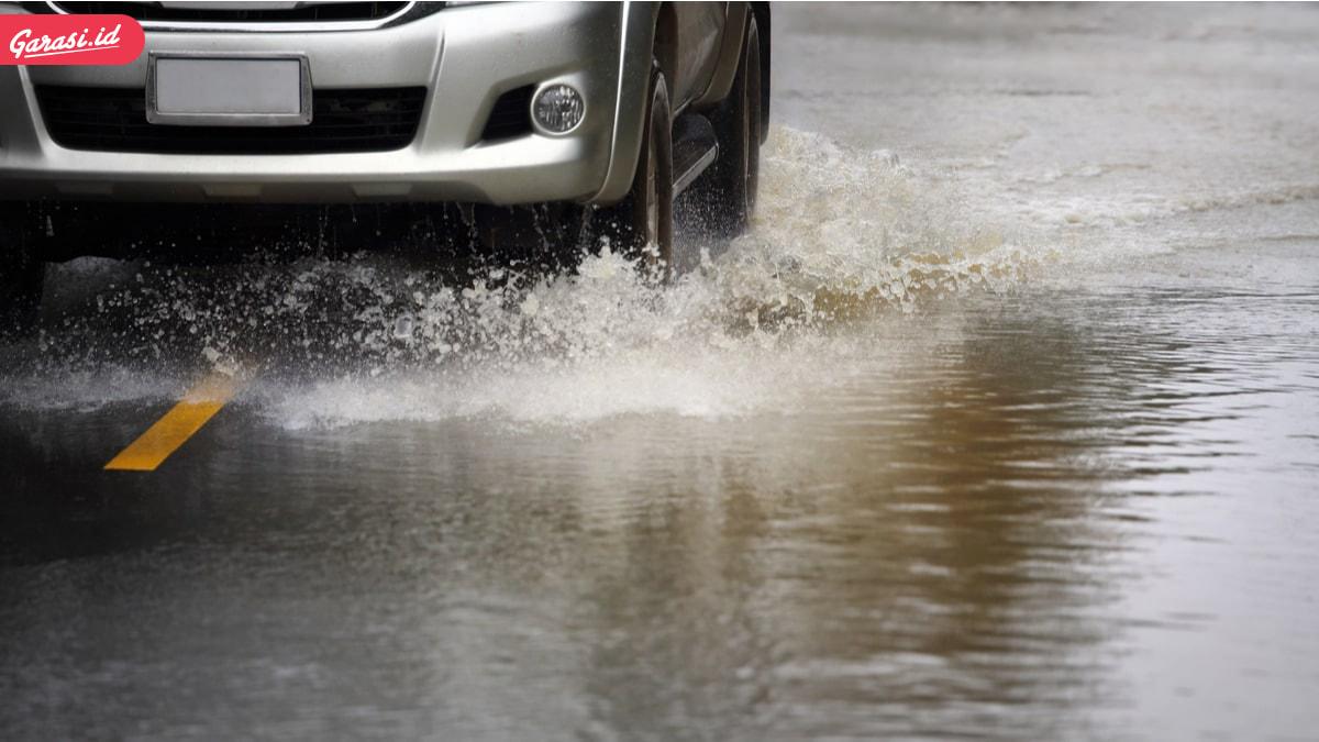 Terjang Banjir Rem Mobil Jadi 'Over Pakem'? Periksa Komponen Berikut