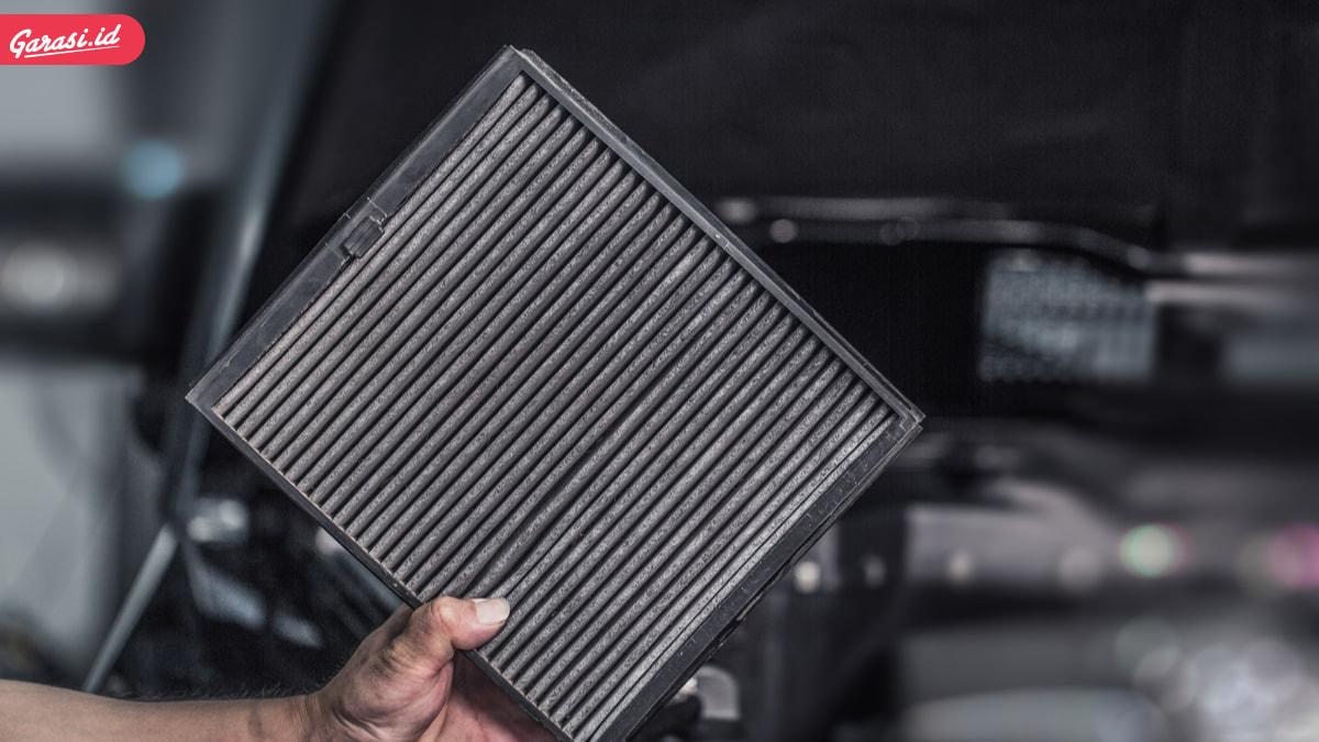 5 Penyebab dan Solusi AC Mobil Tidak Dingin dan Mengeluarkan Bau