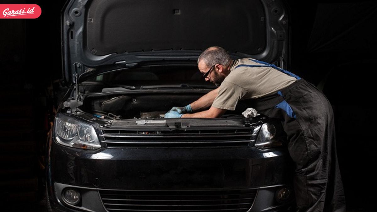 8 Tips Cara Mengetahui Kesehatan Mesin Mobil Bekas