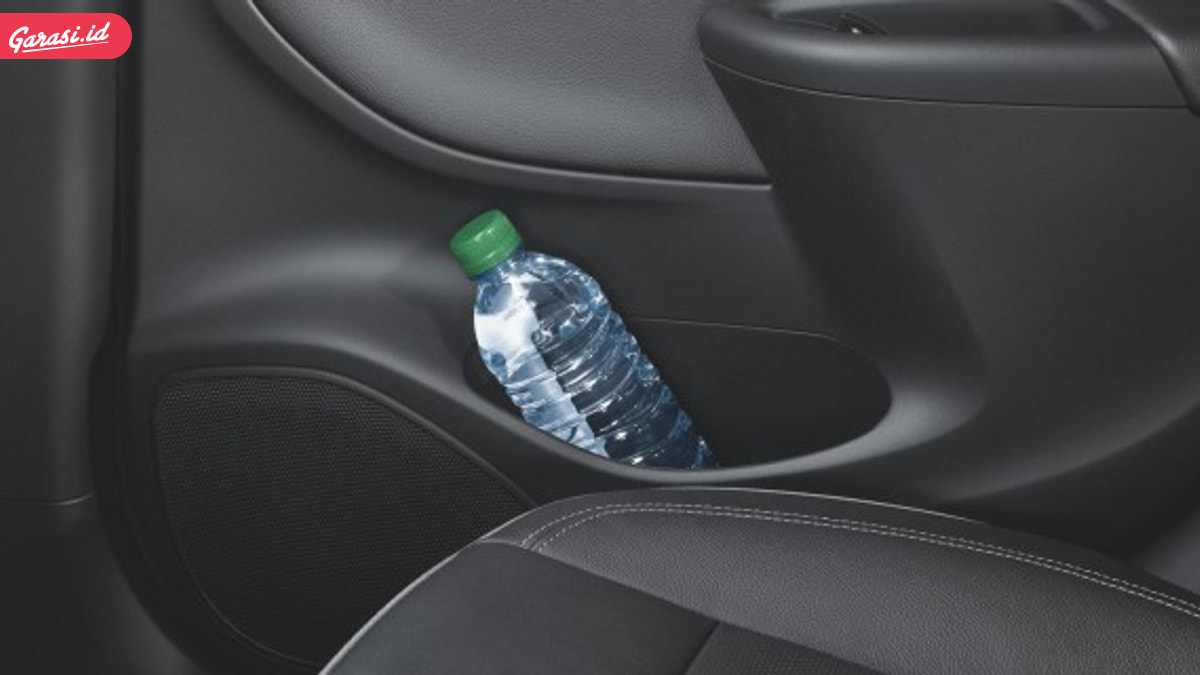 Hati-Hati! Tinggal Botol Minum Dalam Mobil Bisa Bikin Terbakar