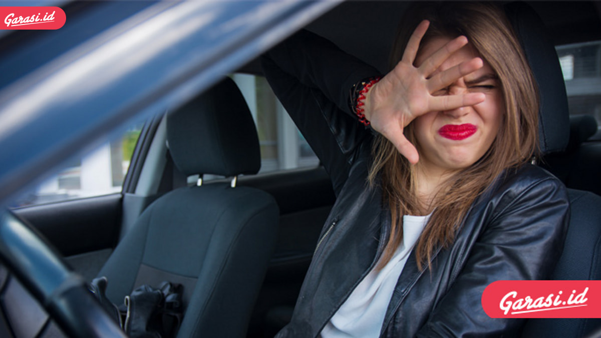 Hei Ladies, Simak Cara Tetap Tampil Cantik dan Aman Saat Berkendara