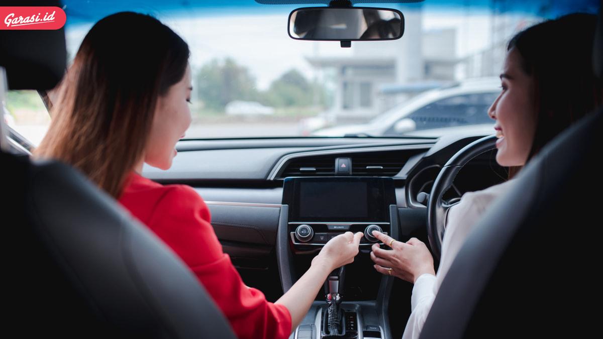 Beli Mobil Bekas Tak Mau Rugi, Ini 4 Cara Sederhana Mengecek Kondisi Mesin Mobil