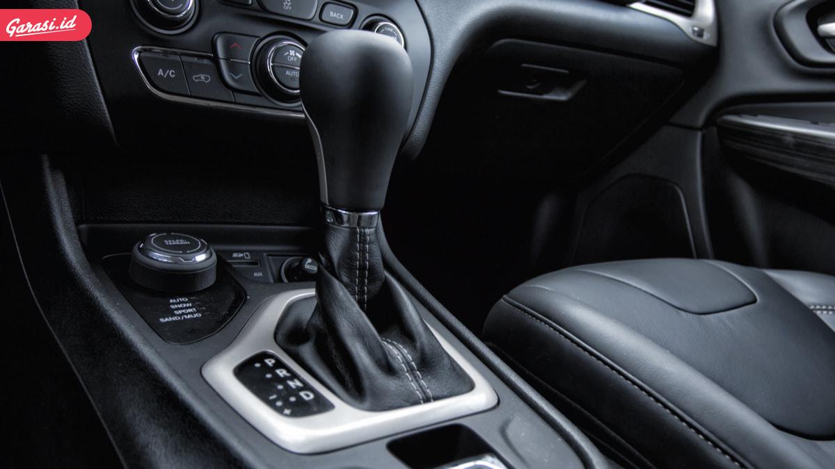 Mengenal Sistem Transmisi Mobil Otomatis dan Fiturnya