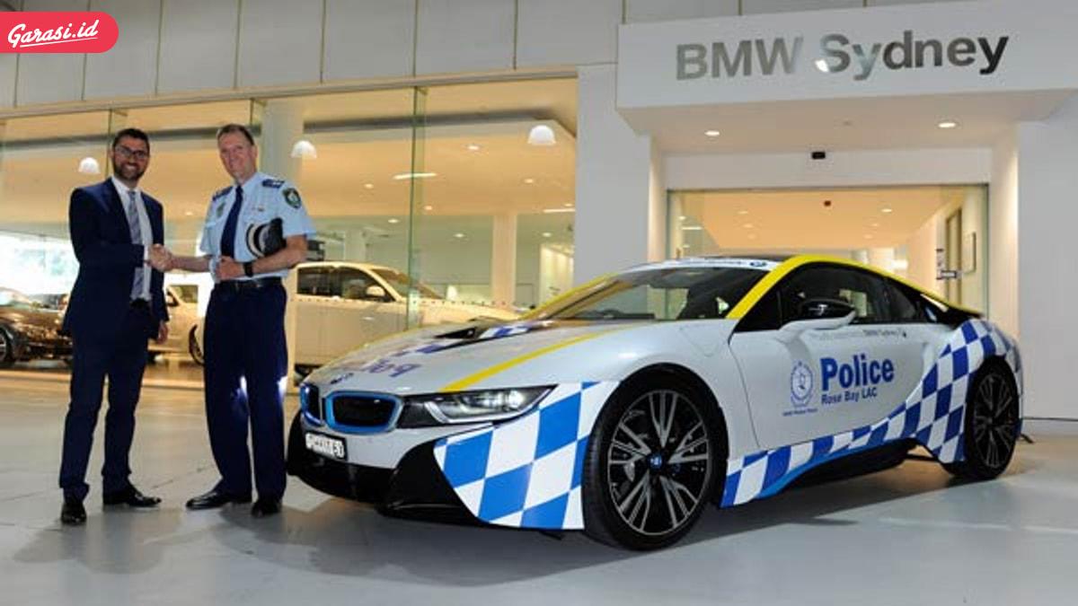 Wow ! Supercar Dijadikan Mobil Polisi di Negara Ini
