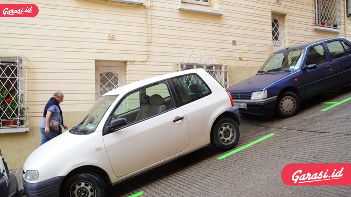 Begini Posisi Ban Yang Benar Saat Parkir