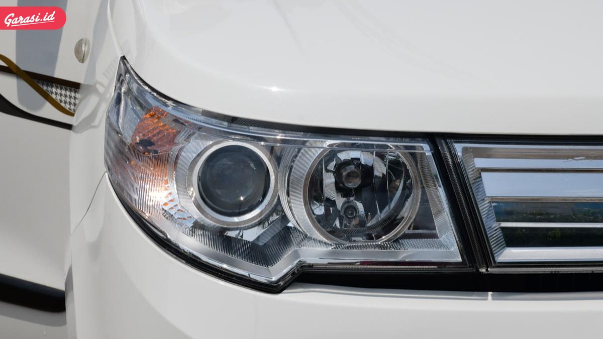 Lampu Mobil Buram? Begini Cara Ampuh Membersihkan Mika Lampu Mobil