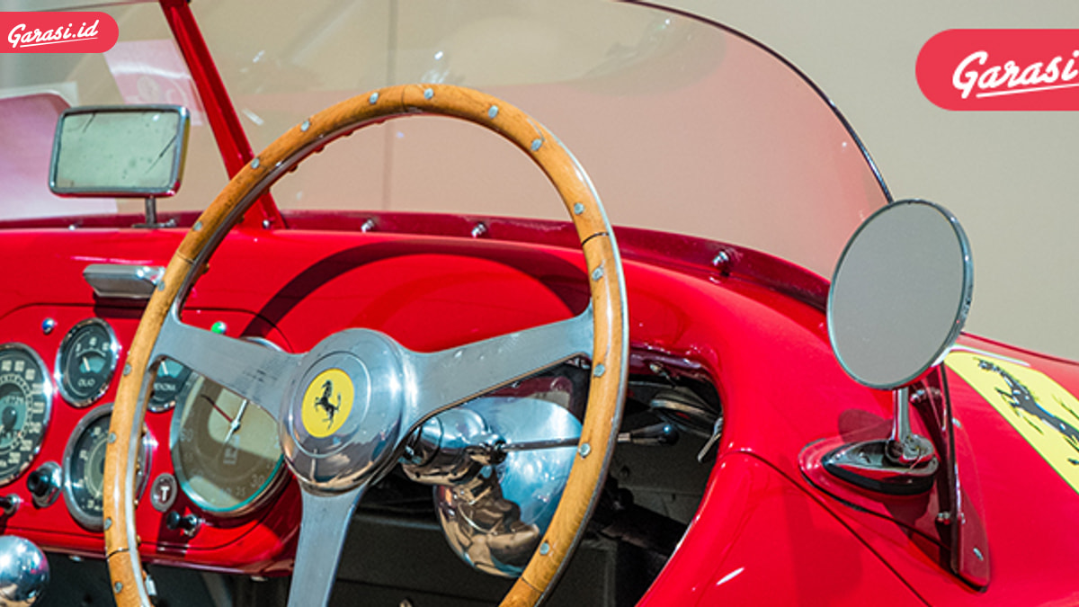 Mau Liat Mobil Legendaris Ferrari? Di sini Tempatnya!
