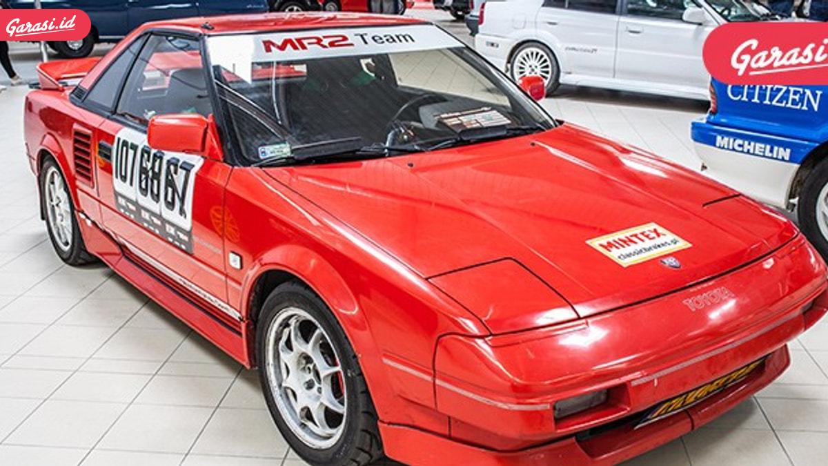 MR2, Roadster Mesin Tengah Pertama Toyota
