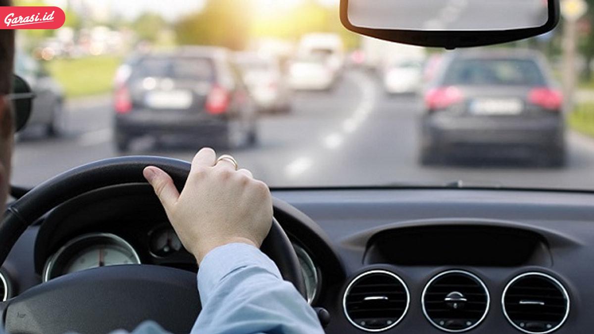 10 Tips Cara Mengemudi Mobil yang Baik dan Benar