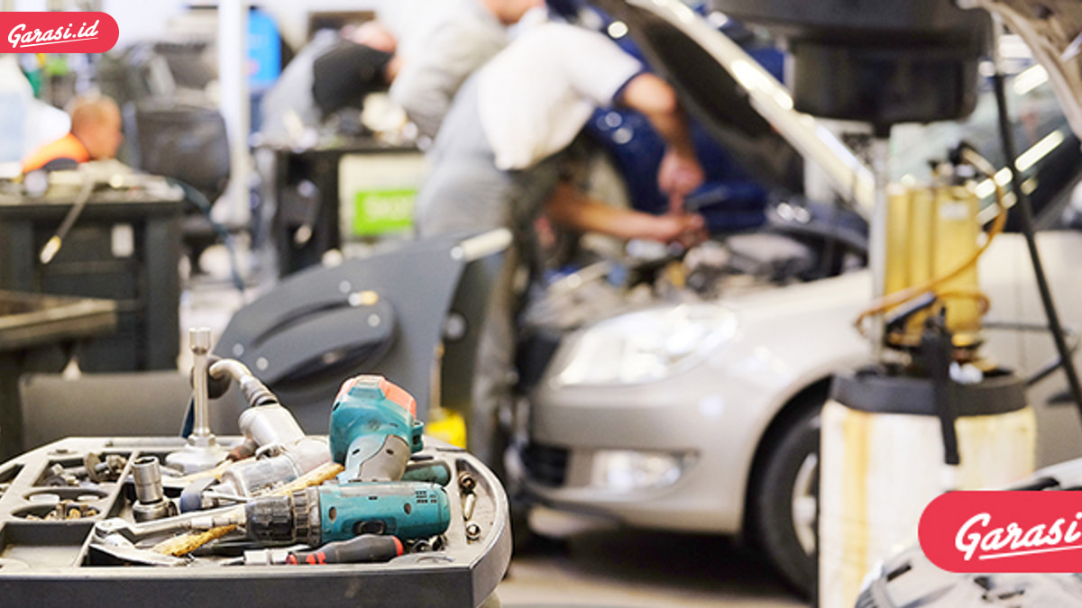 Merawat Kendaraan, Kamu Pilih Bengkel Resmi atau Bengkel Umum?