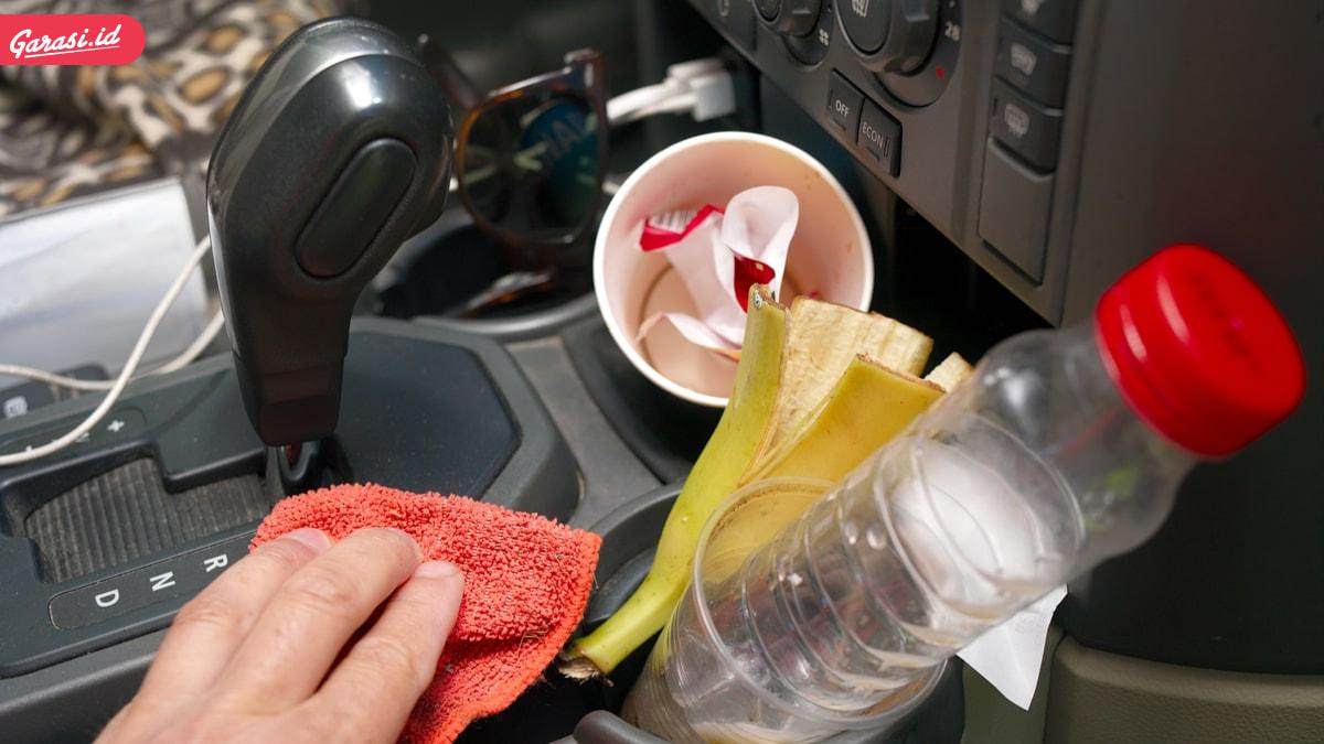 Kabin Mobil Mengeluarkan Bau Tidak Sedap? Berikut Bahan-Bahan Alami yang Bisa Digunakan