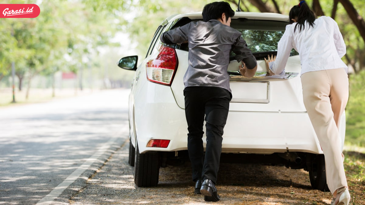 Jangan Panik! Rem Mobil Terkunci Saat Parkir, Begini Cara Mengatasinya