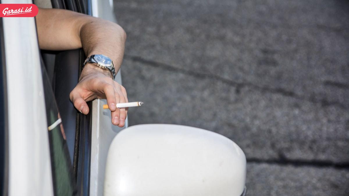 Hai Perokok, Korek Api Gas Bisa Meledak di Dalam Mobil