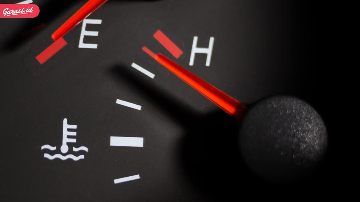 Kenali Penyebab Temperatur Mobil Naik Secara Tiba-Tiba dan Cara Penanggulangannya