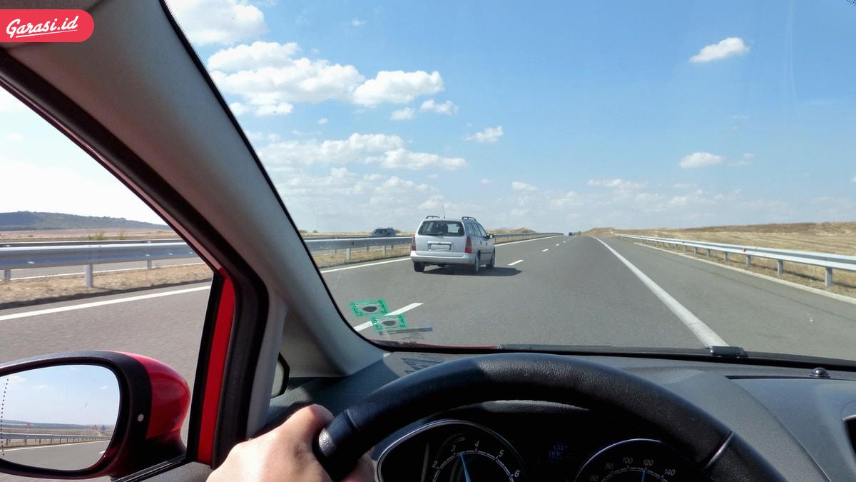 Pastikan Tekanan Angin Ban Mobil Sesuai, Waspada Tekanan Angin Ban Berlebih Berbahaya!