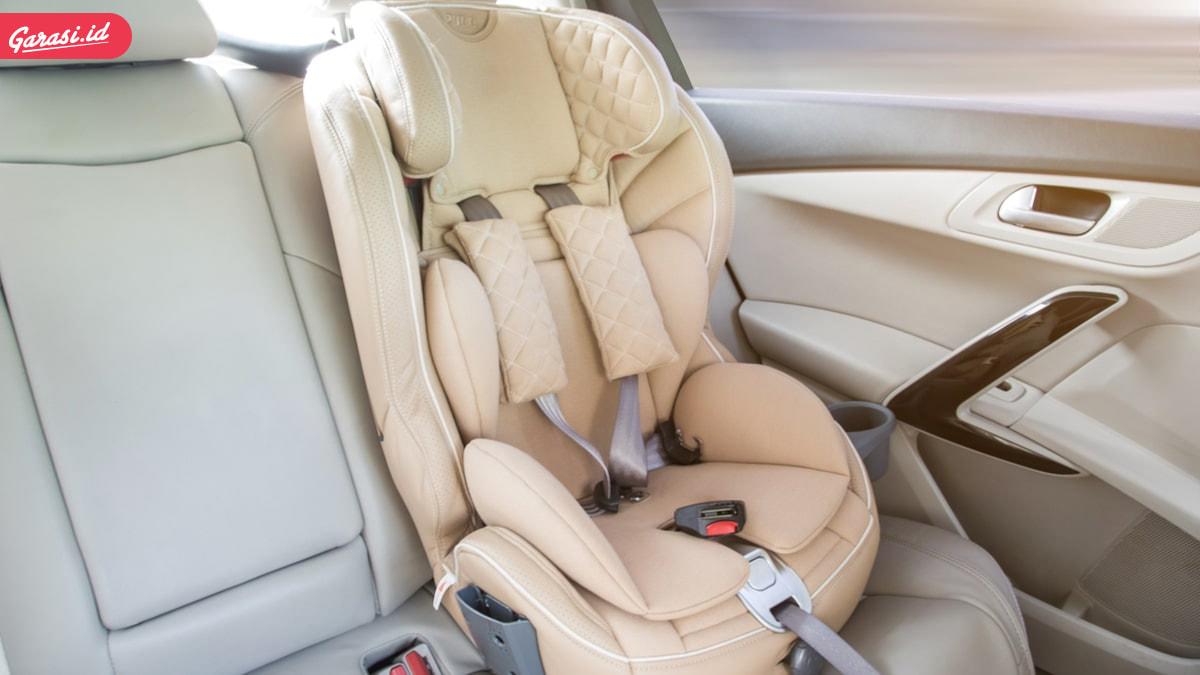 5 Tips Aman Berkendara Dengan Kursi Pengaman Bayi di Mobil