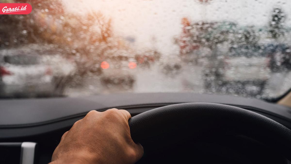 Musim Hujan Tiba, Periksa Kelayakan Kondisi Wiper Mobil