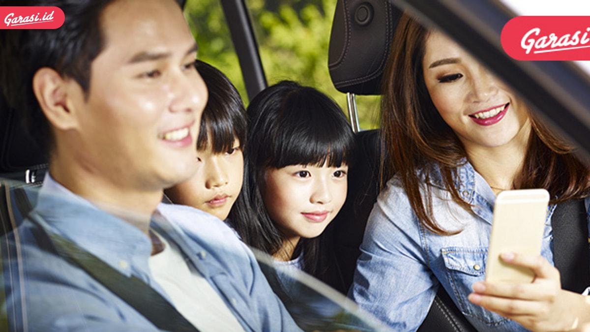 Berkendara Membawa Anak Balita, Simak Tips Aman Ini