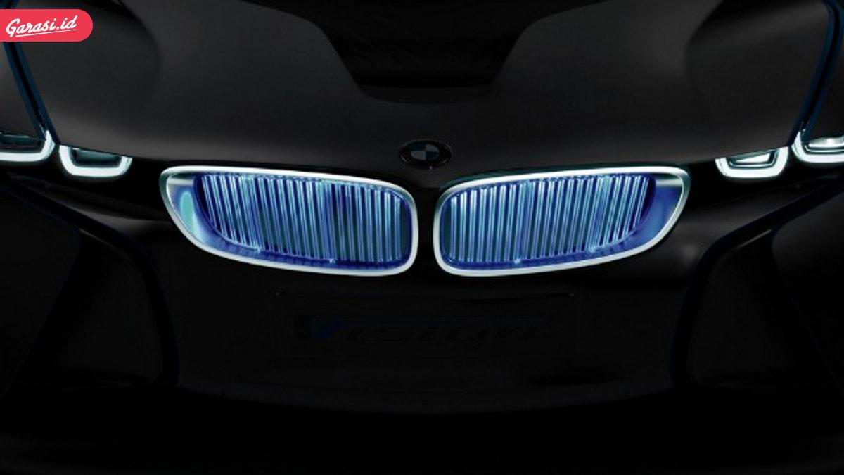 BMW Seri 7 'Eksis' di Film Red Sparrow