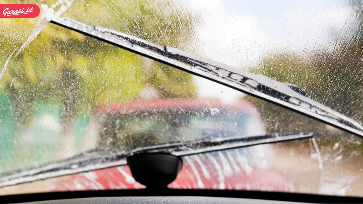 8 Hal yang Harus Dihindari Agar Warna Cat Mobil Selalu Mengkilap