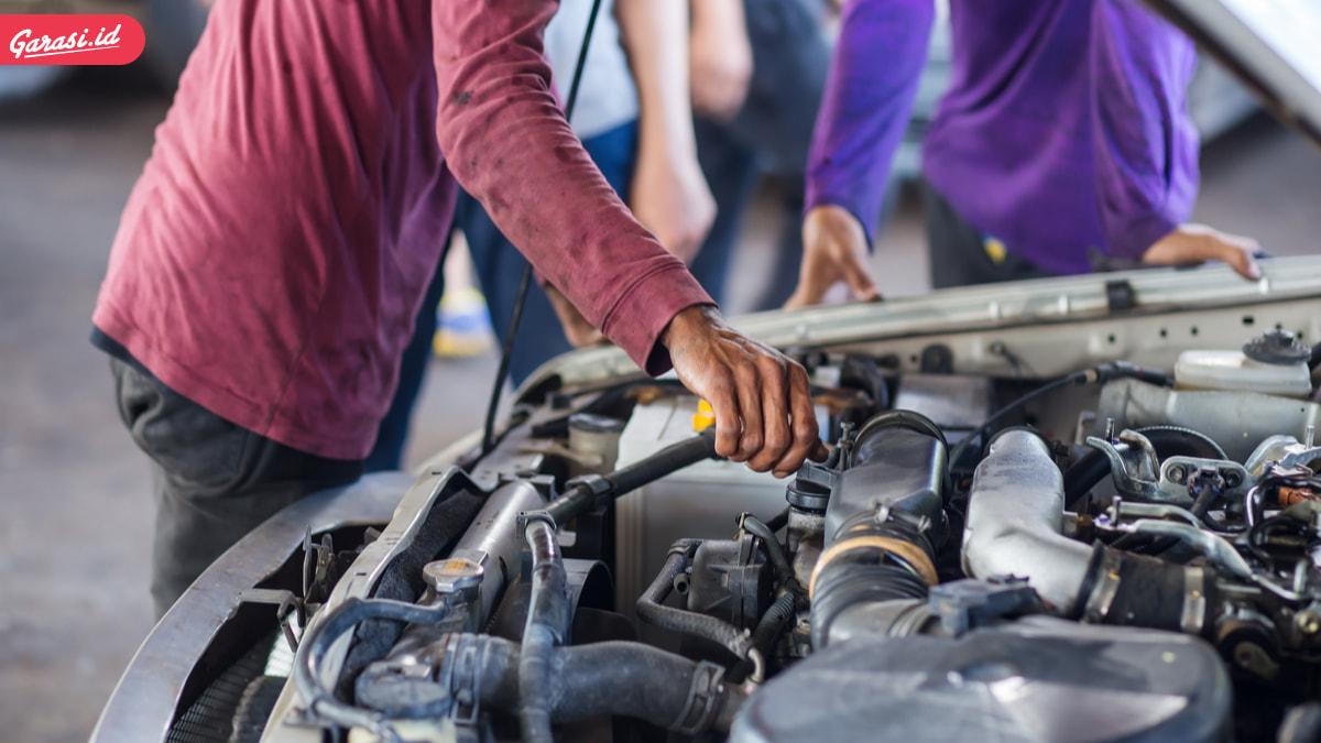 Fakta dan Mitos Oli Mobil Yang Perlu Kamu Ketahui