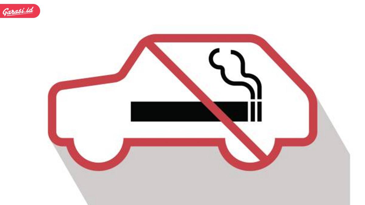 Jangan Merokok di Mobil