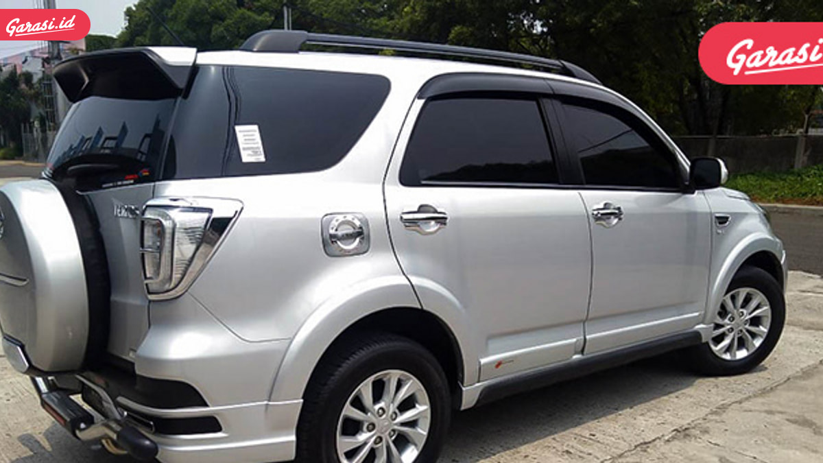 Cari Mobil Keluarga Yang Tangguh, Daihatsu Terios R Adventure Paling Pas