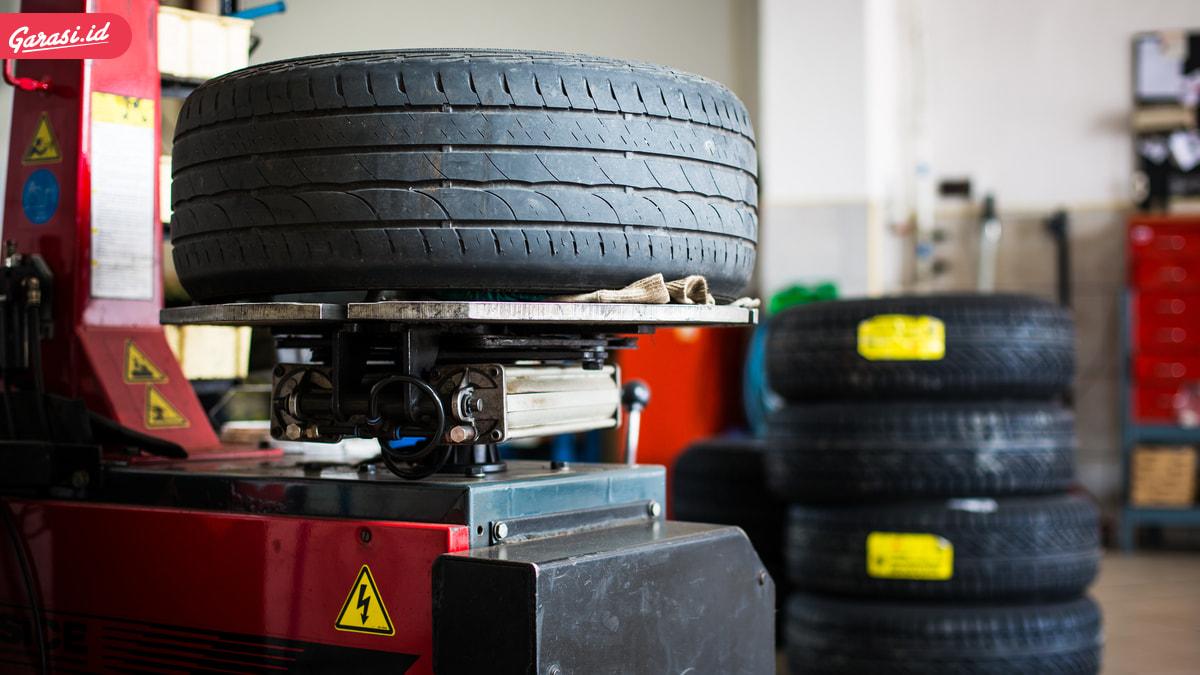 Musim Hujan Tiba. Perhatikan Kondisi dan Kelayakan Ban Mobil