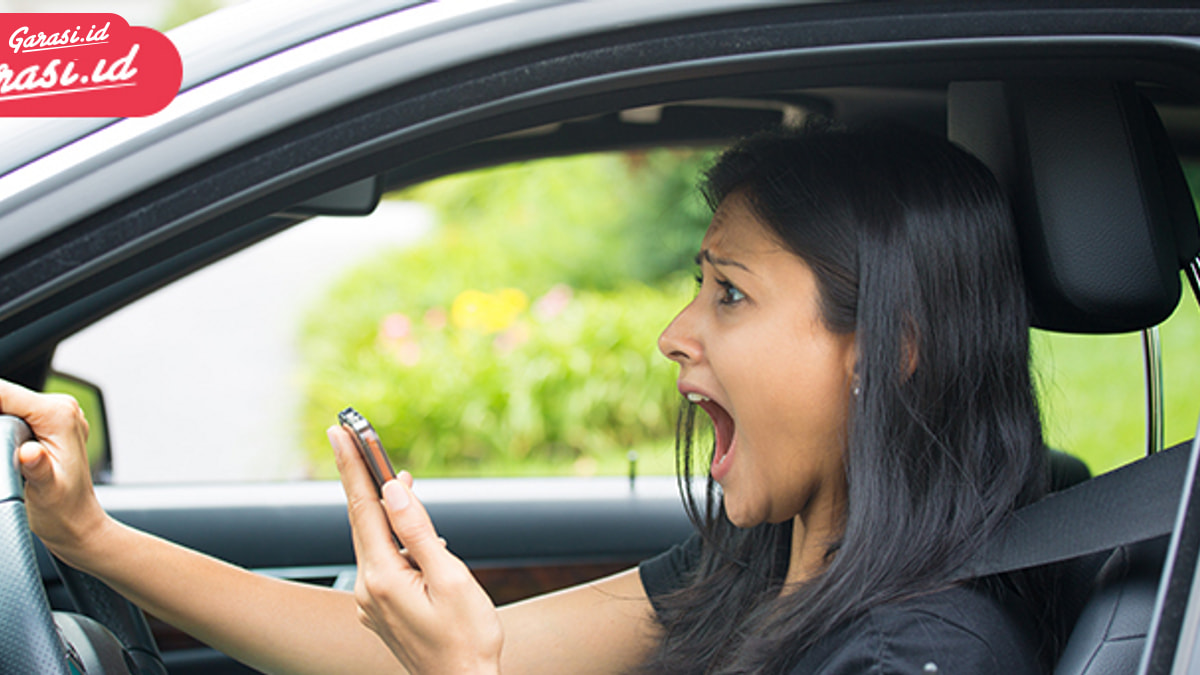Berkendara Di Jalan, Simak 10 Langkah Antisipasi Kecelakaan Ini