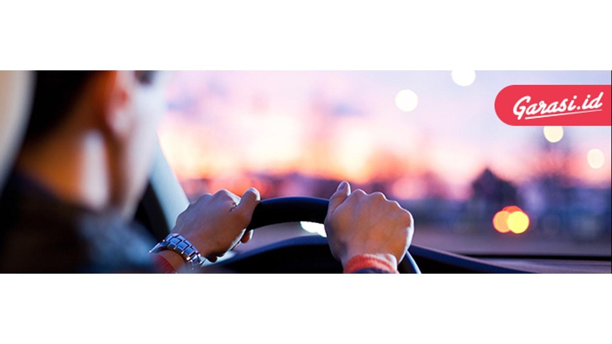 Kaca pengemudi wajib terjaga agar visibilitas selama berkendara tidak terganggu