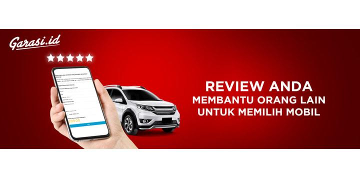 car model review banner